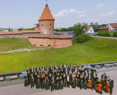 Kauno orkestras energizuoja miestą