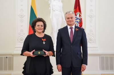 Valstybės ordinais ir medaliais apdovanoti Lietuvos ir užsienio valstybių piliečiai