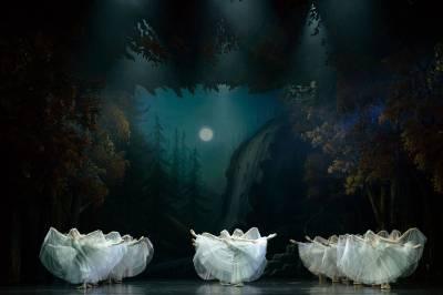 """Baletas """"Žizel"""" primena būties trapumą ir jausmų amžinumą"""