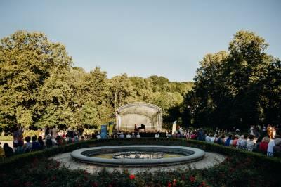 Bernardinų sode – muzikiniai pasimatymai prie fontano