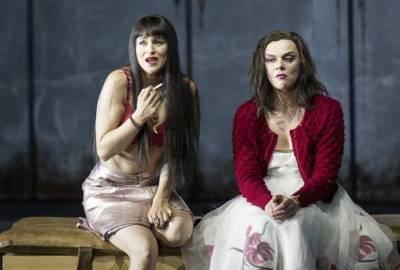 Zalcburgo festivalio scenoje Aušrinė Stundytė ir Asmik Grigorian įkūnijo gyvenimo ir mirties jėgas