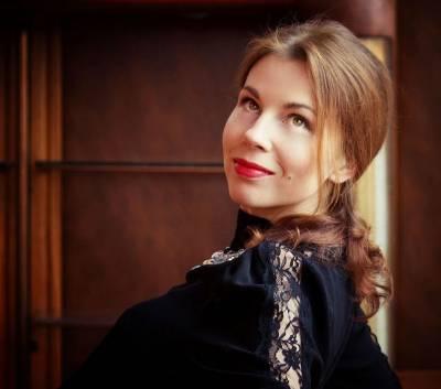 """Julija Karaliūnaitė: """"Dainuodamas turi turėti dramblio odą ir drugelio širdį"""""""