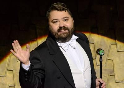 """Rafailas Karpis ves """"Auksinių scenos kryžių"""" apdovanojimų ceremoniją"""