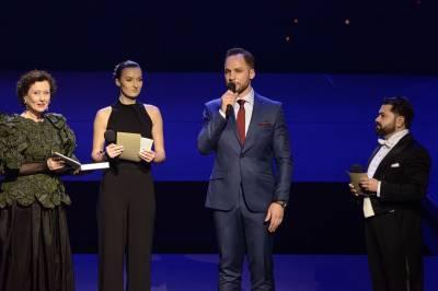 """LNOBT spektakliams atiteko net penki """"Auksiniai scenos kryžiai"""""""