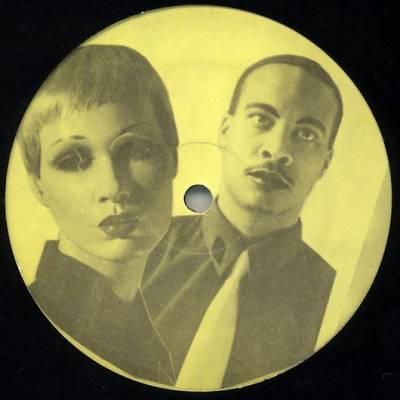 """Paslaptingasis vokiečių elektroninės muzikos duetas """"Dopplereffekt"""" atvyko į Vilnių – paskutinis gyvas koncertas prieš visų renginių uždarymą įvyks"""