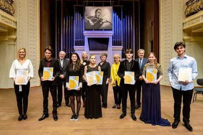 VI tarptautinio Jaschos Heifetzo smuikininkų konkurso finalo akimirkos