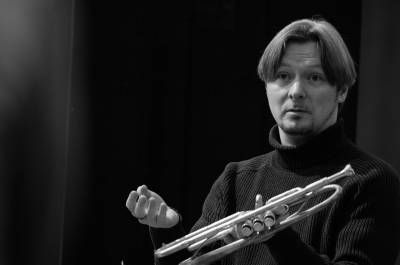 """Trimito virtuozas Sergejus Nakariakovas: """"Norėdamas groti orkestre, turėčiau daug išmokti"""""""