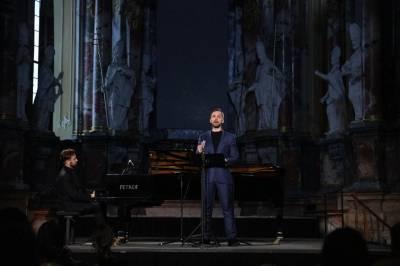 """Muzikinis projektas """"Dedikacija romantizmui"""" šalyje skleis pozityvą"""