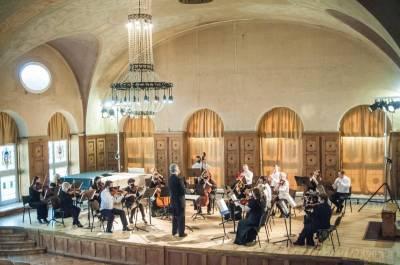 """Orkestras paskelbė kamerinės muzikos festivalio """"Vasaros prieskoniai"""" pradžią"""