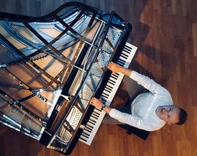 "Projektas ""Čiurlionio dialogai"" sugrįžta – pianisto Mariusz Drzewicki"