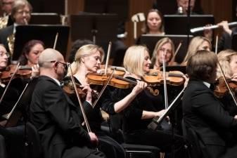 Įspūdinga Lietuvos valstybinio simfoninio orkestro sezono pradžia:trys operos žvaigždės vienoje scenoje