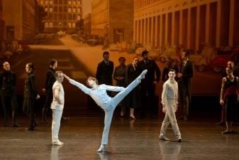 Lietuvos baleto duetas šoka Vavelio pilies kieme