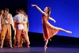 """Ketvirtoji baleto """"Eglė žalčių karalienė"""" versija ir vėl negalutinė"""