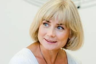Aktorė Ilona Balsytė kviečia į paskutines atviras muzikines pamokas Keistuolių teatre