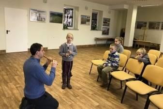 """""""Canto Fiorito"""" įsteigė Paparčių vaikų išilginių fleitų ansamblį"""