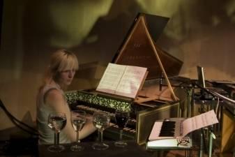 """""""Gaidos"""" koncerte – tikra klavesino burtininkė ir ne vienas, o du dirigentai"""