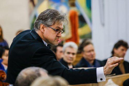 """Dirigentas Tomas Ambrozaitis: """"Orkestras galingas, kai darniai sutaria"""""""