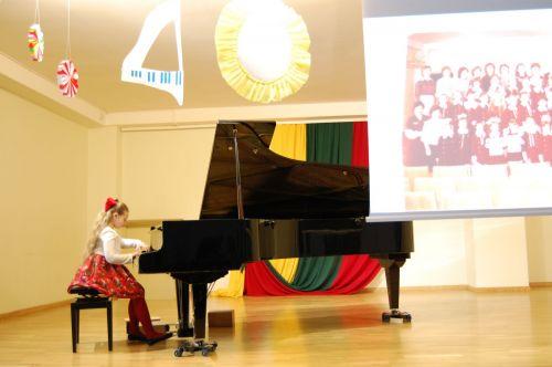 """Jaunieji pianistai švenčia programos """"Mano pirmas koncertas"""" 40-metį"""