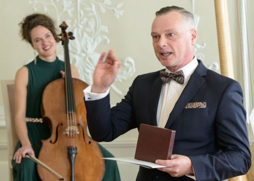 Dirigentui Martynui Staškui įteiktas reikšmingas apdovanojimas