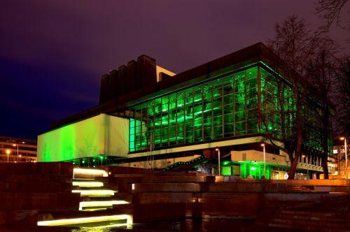 Įkvėpdamas viltį, didžiausias šalies teatras nušvis žaliai