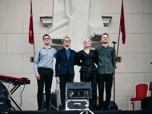 Spalvingasis Veronika Chichi Quartet