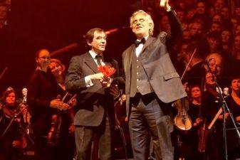 Kauno valstybinis choras dainavo su Andrea Bocelli